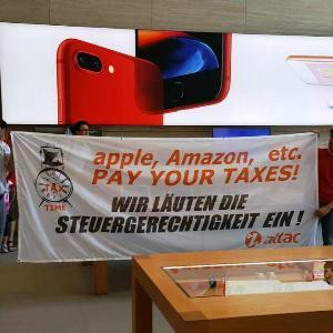 * Flashmob bei Apple: Attac läutet die Steuergerechtigkeit ein*